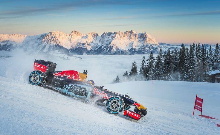 GALERIE: Tomu neuvěříte: Formule 1 se nebojí sněhu, řádí na sjezdovce v Alpách (videa) | FOTO 19 | auto.cz