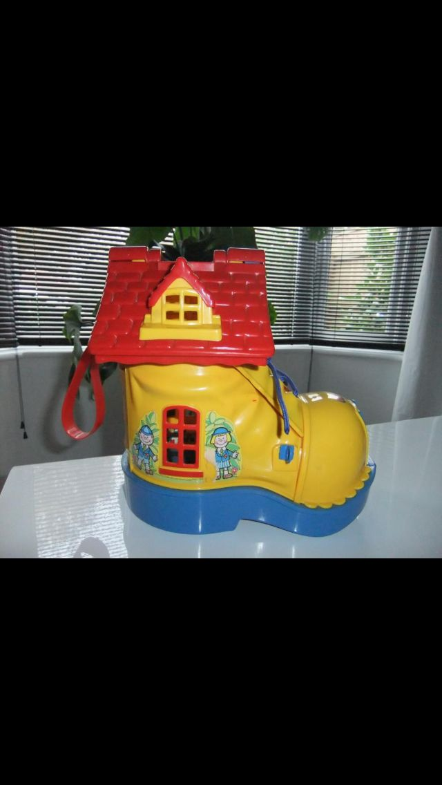 The yellow boot 80s toys