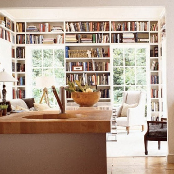 Open plan kitchen/living room with LOTS of books :-)