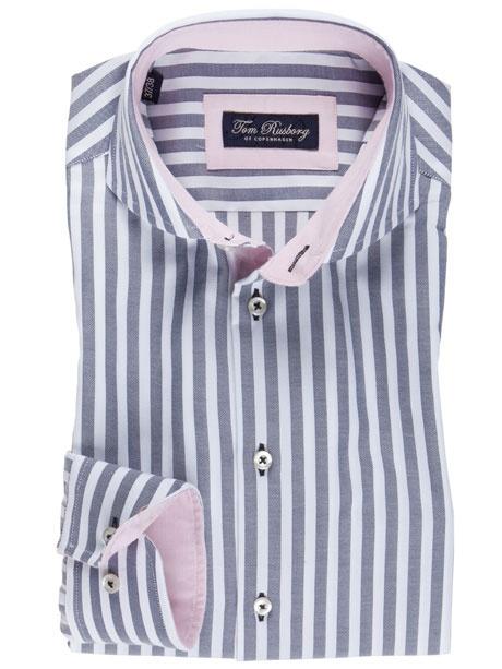 Modisch topaktuelles Streifenhemd von Tom Rusborg, mit farblich anders gehaltenem Innenleben. Damit machen Sie immer eine gute Figur!
