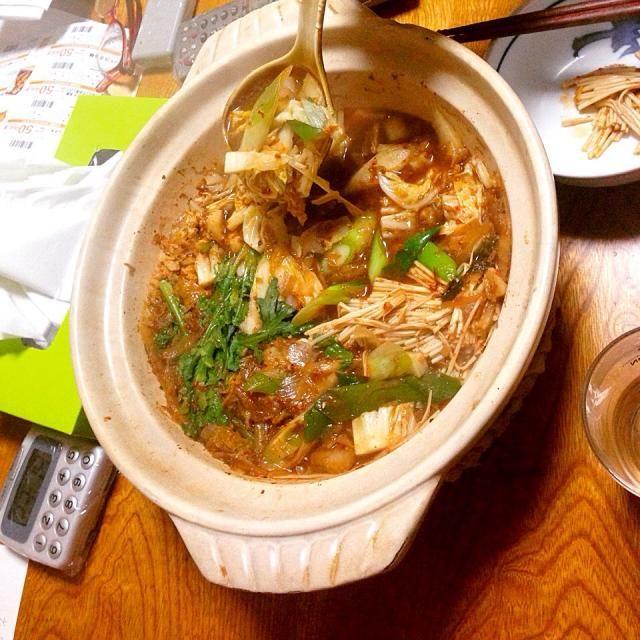 中に入れる肉団子から手作りしました。  スープも手作りです。  白菜とえのきたっぷりです。 - 9件のもぐもぐ - キムチ鍋 by seeeeee