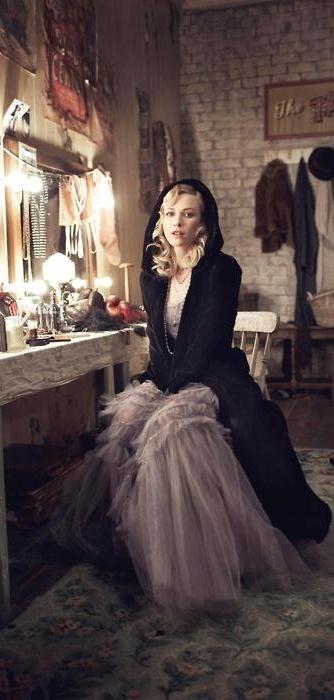 Naomi Watts-vintage dressing room shot