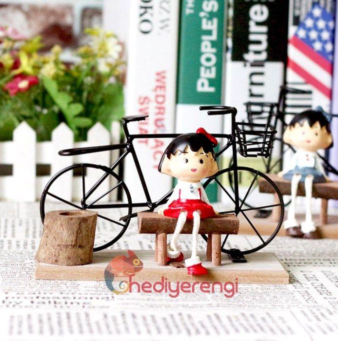 Bankta Oturan Sevimli Kız Temalı Bisikletli Kalemlik - Hediye Rengi