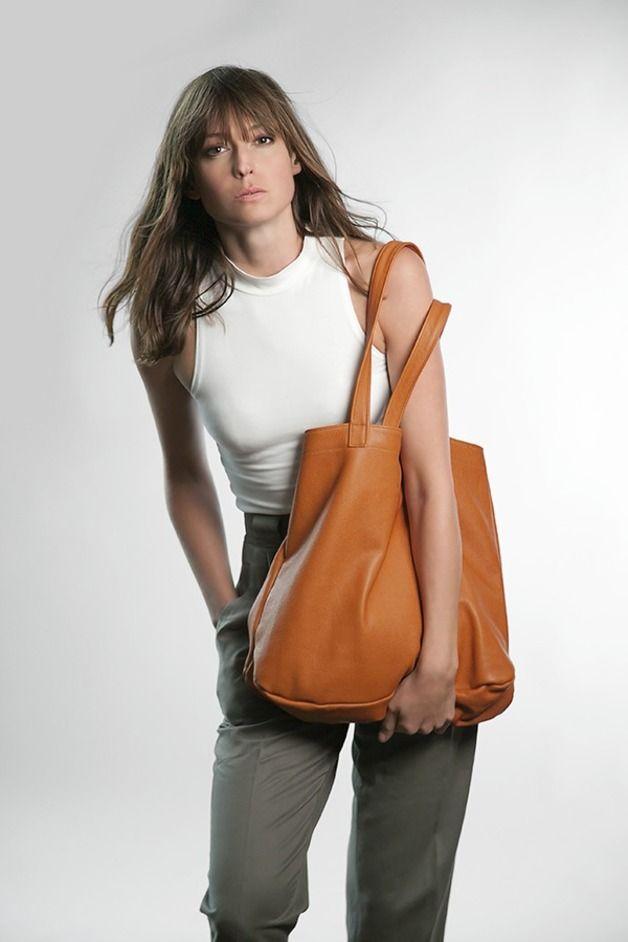 Große braune Ledertasche // brown leather bag by Plumbag Project via DaWanda.com