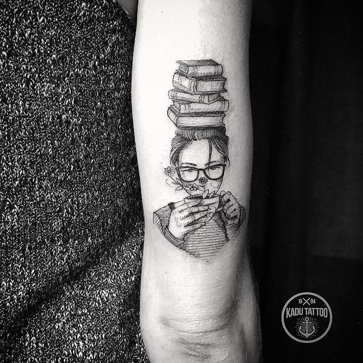 30 Stunning Tattoos For Book Lovers Stacked Shelves Tattoos Pretty Tattoos Bookish Tattoos