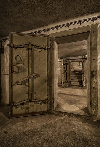 Best Bomb Shelters And Bunkers Images On Pinterest Bomb - Take look inside incredible cold war era bunker buried 26 feet underground