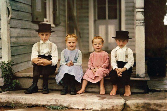Дети семьи амишей. Штат Пенсильвания. США. 1937 год.