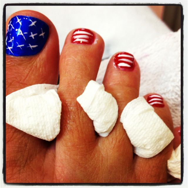 Forth of July pedicure.. :)