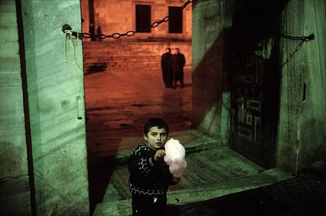 Istanbul: City of a Thousand Names http://streetto.gs/books/istanbul-city-thousand-names/ a great Street photography photobook by Alex Webb