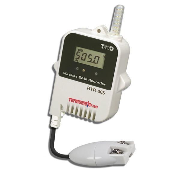 """http://www.termometer.se/Tradlos-logger-for-Pt100-givare.html  Trådlös logger för Pt100-givare - Termometer.se  Passande Pt100-givare (köpes separat). Temperaturlogger för extern Pt100-givare sparar upp till 16.000 mätvärden. Trådlös kommunikation med mottagare RTR-500XX. Med en trådlöst logger undanröjer du problemen och kostnaderna med kabeldragningar. Eftersom data sparas """"stand-alone"""" lokalt i varje templogger, blir systemet mycket driftsäkert, med liten risk för att tappa mätdata..."""