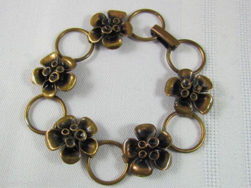 Zierliches Armband Bronze Made in Finland 70er Jahre Renmoosblüte