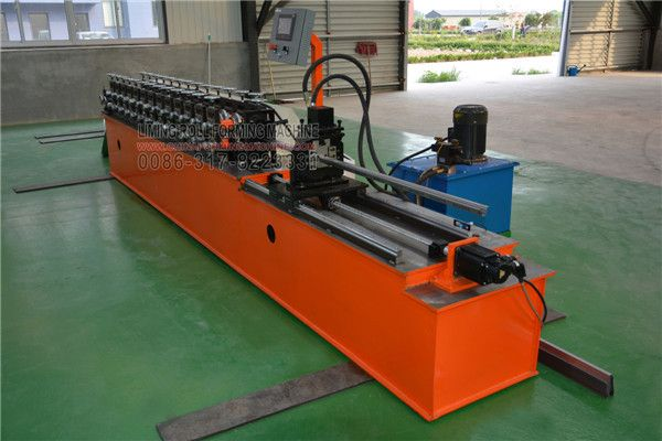 Today our Dubai Customer comes to our factory and order the #high #speed #Omega #profile #roll #forming #machine. This customer is very strict with the machine quality and request high speed production speed not low 40m/min. In order to satisfied with this customers' requirement, our engineer design a production line for this Omega profile roll forming machine. We customize the motor and computer control cabinet.
