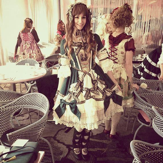 Curious Wendy | The Travelling Lolita | Paris: La Vie en Rose & BTSSB Tea Party