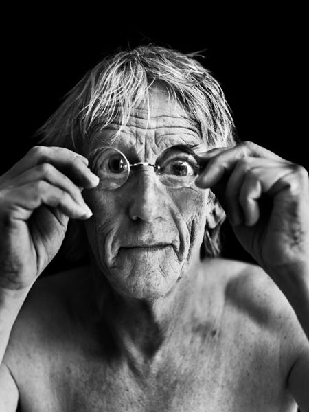 Freek de Jonge (1944) - Dutch cabaret performer, singer, comedian and blogger. Photo by Stephan Vanfleteren