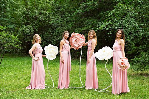 нежно розовые платья подружек невесты