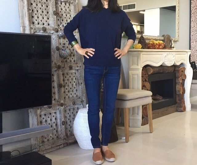 Worried about flaunting bowed legs in a pair of skinny jeans? Legi Bow Legs Cosmetic Support will fill the space between tight clothes and bow legs. Discover more How to Hide Bow Legs at Legi!
