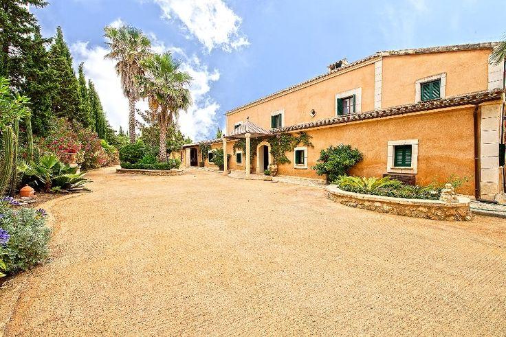 Schöne mallorquinische Fincaanwesen im Umland von Palma - Living Scout - die schönsten Immobilien auf MallorcaLiving Scout – die schönsten Immobilien auf Mallorca