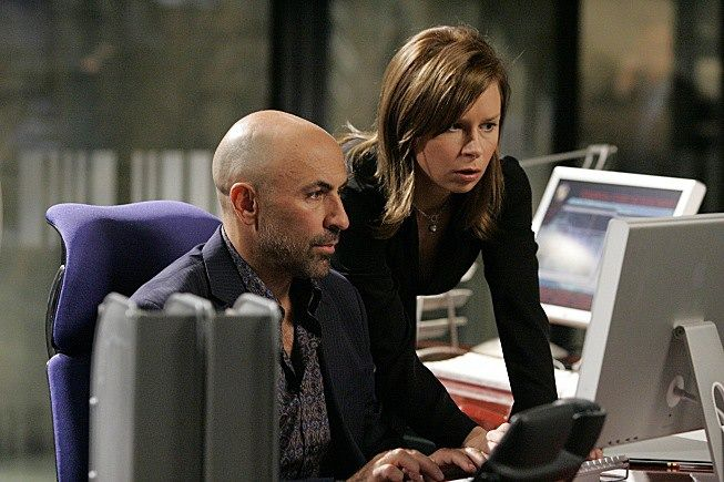 #Humanscale Freedom chair featured in Fox's 24, with acress Mary Lynn Rajskub and actor Carlo Rota.