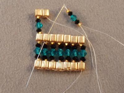 Queen of the Nile Swarovski Crystal Bracelet Free Beading Pattern: Start the Second Row