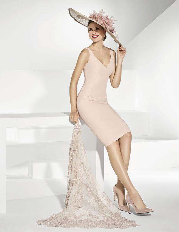 eb4c51fb93775 Vestidos de fiesta corto color cava y abrigo de encaje transparente ...