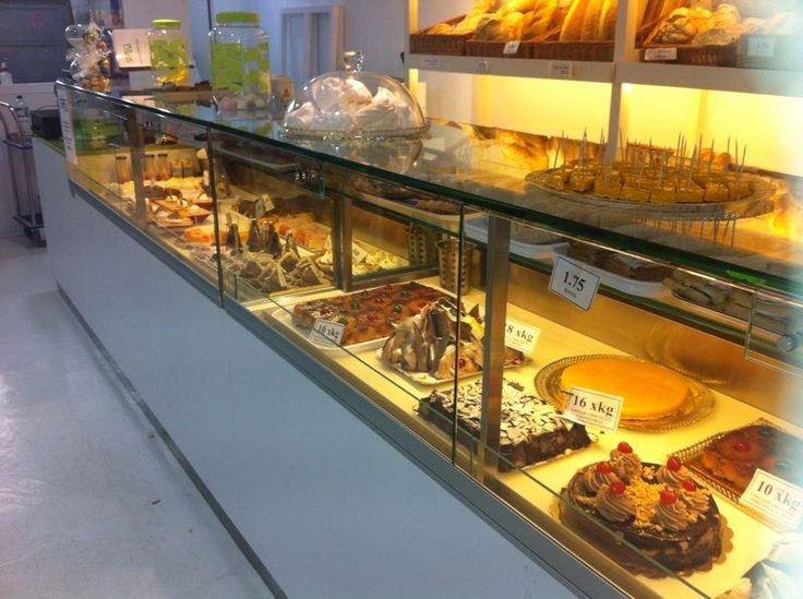 M s de 1000 ideas sobre vitrina de pasteler a en pinterest - Mostradores de cocina ...