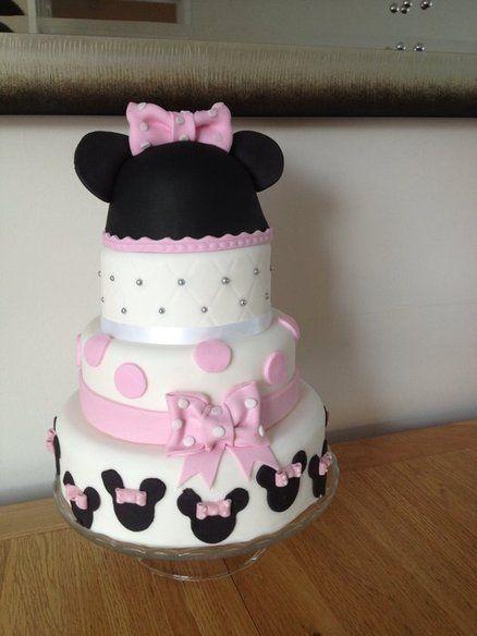 Galería de pasteles de Minnie Mouse para darte inspiración.Selección de 15 creaciones con el tema de Minnie Mouse