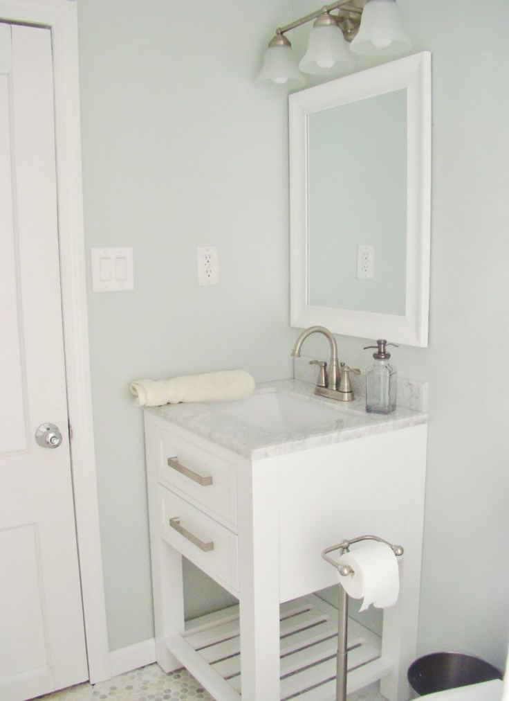 Sherwin Williams Sea Salt and it's undertones in a room with a lot of natural light