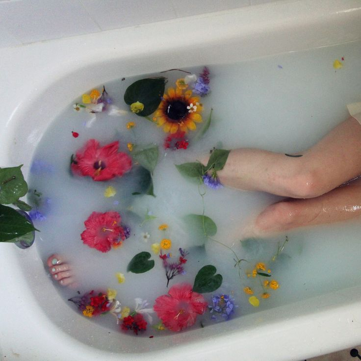 78 best Flower bath images on Pinterest | Bath time, Soaking tubs ...