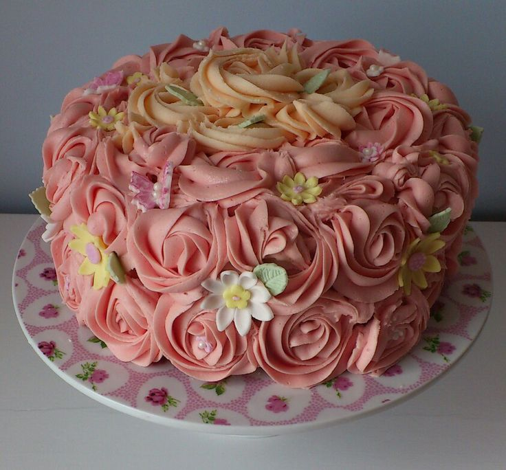 Images For Rose Cake : 28 best images about Rose Cake Tutorials on Pinterest ...