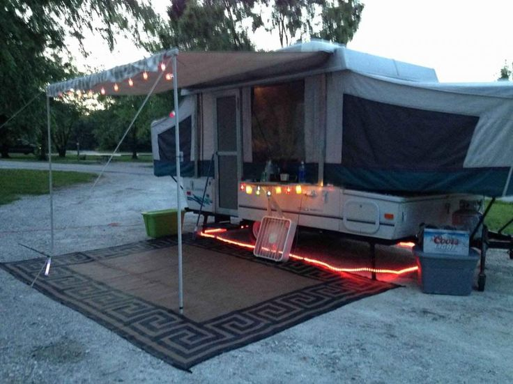 Before And Afters Of Our Camper Makeover 1996 Dutchman Bought For 2500 Put 150 Bucks Into It And Wala Transformat Remodeled Campers Camper Makeover Camper