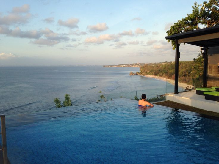 Evening swim with a View at Suluban Cliff Bali Villa  info@sulubancliffbali.com