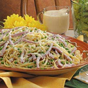 Hay and Straw (Ham and Pea Alfredo)