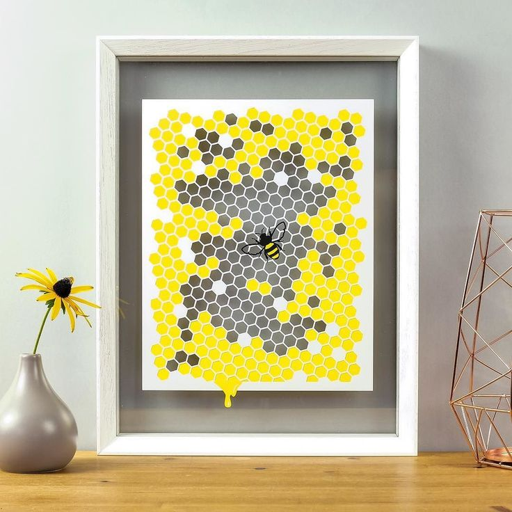 PUN ALERT I've been buzzing to tell you about this sweet new bee-autiful bumble bee papercut. Who doesn't love a hexagon eh? 25 unframed. Ships worldwide. Link in bio   #bumblebee #beeart #honeycomb #beepapercut #papercut #beelover #beelove #paperbee #honeybee