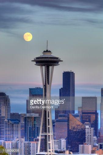 Luna şi Acul Spaţial 21 - Seattle, statul Washington, SUA