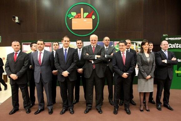 Juan Roig y miembros del Comité de Dirección de Mercadona durante la presentación de resultados de Mercadona 2011.