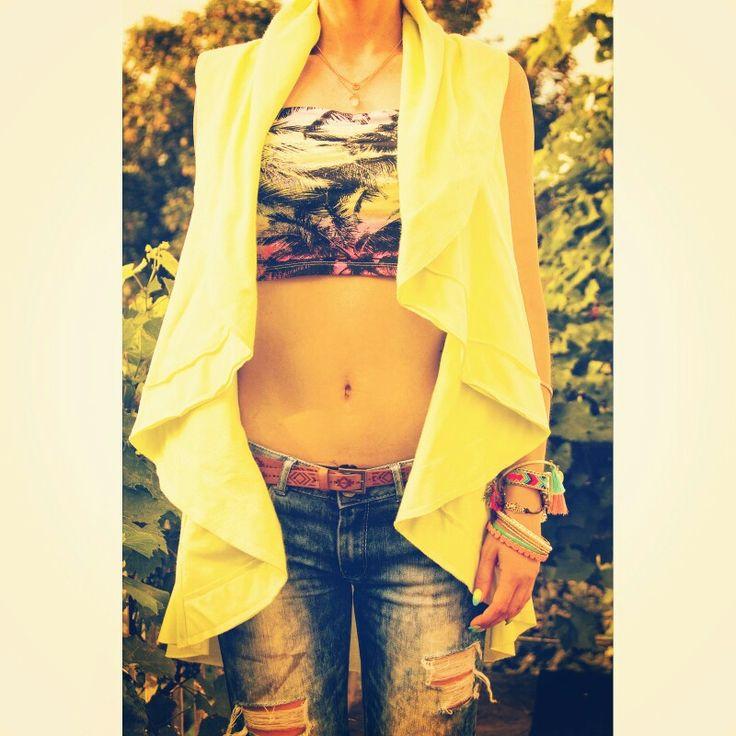 Summer look. Neo fluo yellow vest, palms bandeau.  https://instagram.com/holla_jazzy/