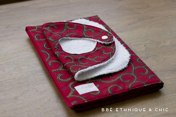 cadeau de naissance bavoir et son tapis langer nomade by nenoi bricolage pinterest fils. Black Bedroom Furniture Sets. Home Design Ideas