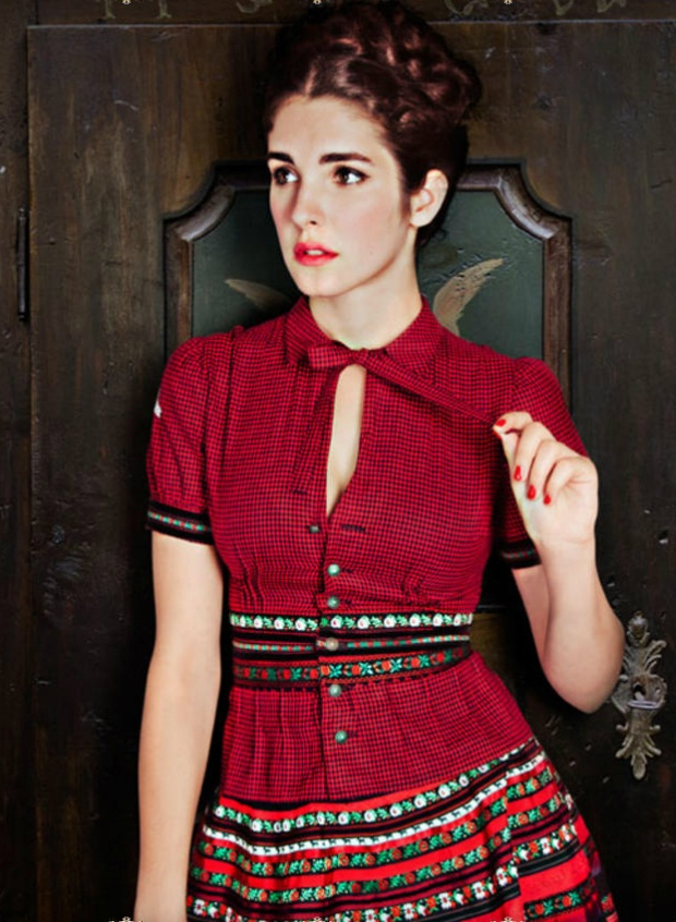 Lena Hoschek: Hoschek Blouses, Blouses Ideas, Dirndl Magazines, Ii Dirndl, Gingham Shirts, Hoschek Dirndl, Hoschek Autumn, Dirndl Lena, Belts