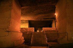 大谷資料館の地下空間が幻想的で凄すぎ!まるで地下神殿! - NAVER まとめ