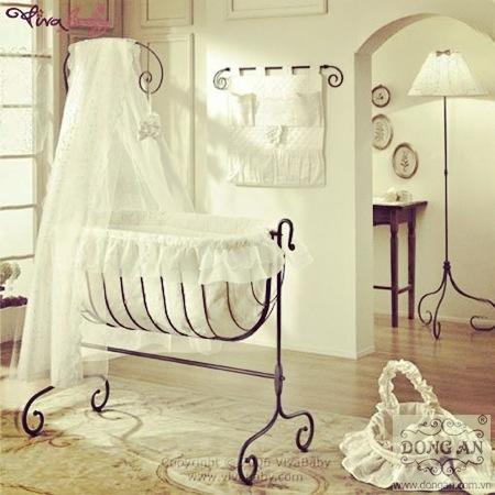Ngộ nghĩnh và dễ thương với bộ sưu tập nôi em bé bằng sắt nghệ thuật.  Cuộc sống ngày một phát triển, hiện đại, nhưng những người mẹ bận rộn vẫn không quên dành thời gian chăm lo cho con, đặc biệt là giấc ngủ. Hãy để chiếc nôi sắt mỹ thuật dễ thương, chắc chắn này cùng đồng hành với con bạn trong từng giấc ngủ.   >-| http://www.phukiensat.com/tin-tuc-phu-kien-sat/bo-suu-tap-phu-kien-sat/ngo-nghinh-de-thuong-voi-bo-suu-tap-noi-em-be-sat-my-thuat.html