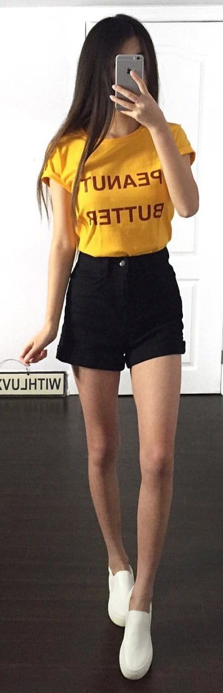 #winter #outfits yellow crew-neck cap-sleeved shirt and black denim shorts outfit. Pic by @withluvxina.