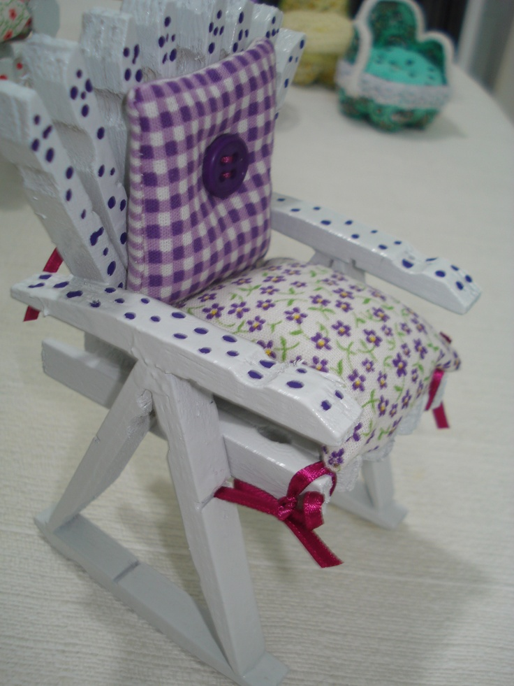 Barbie rocking chair made from clothespins 127