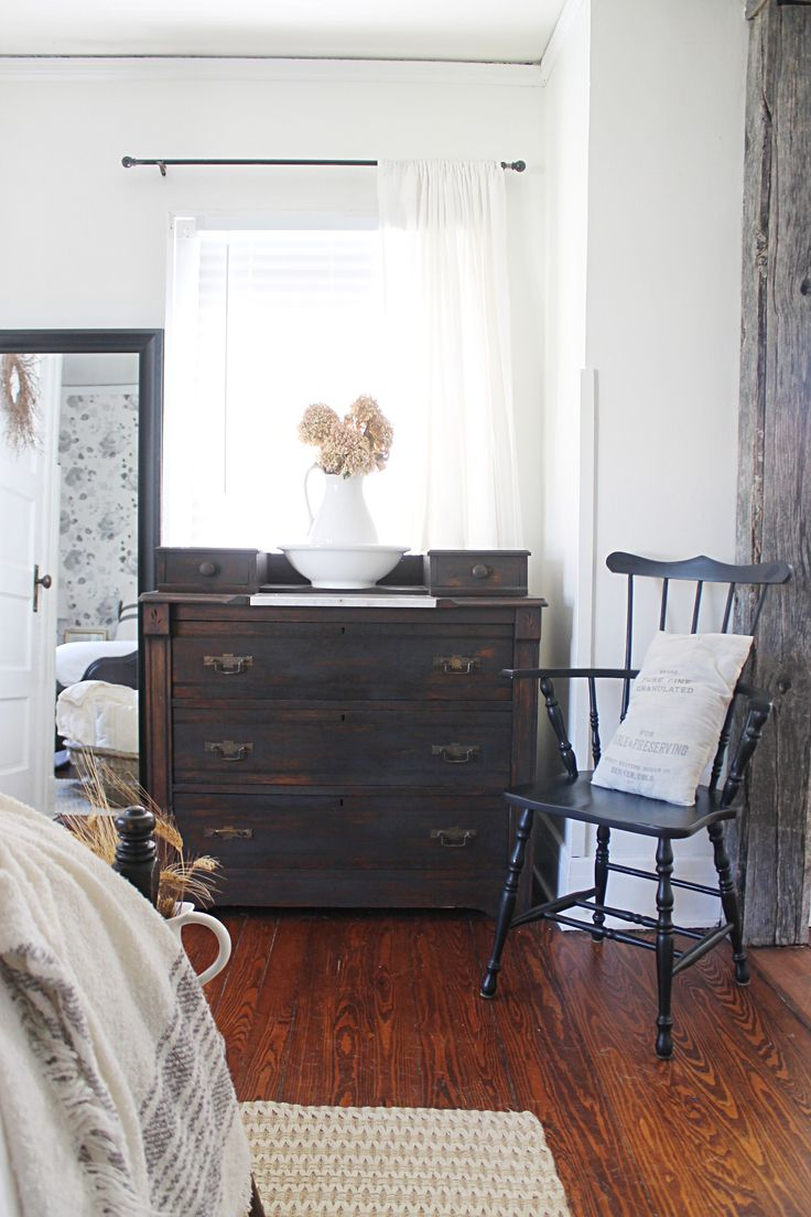 modern vintage bedroom ideas%0A Modern farmhouse style combines the traditional with the new for a  peaceful  airy  welcoming feel  Here are fifty farmhouse bedroom photos to  inspire you