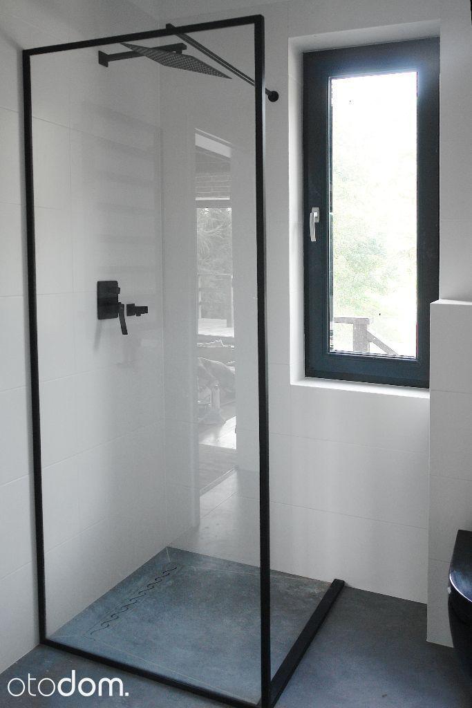 Minimalistyczny Prysznic Z Oknem Black White łazienka