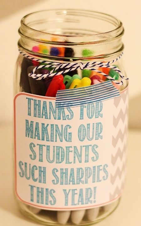 Sharp gift idea for teachers.  Easy to make. Just print the free printable on full-sheet labels, cut and stick.