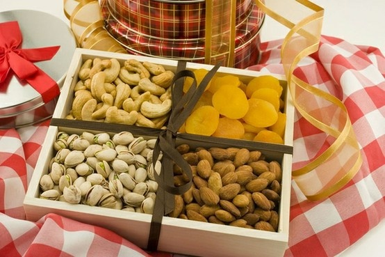 Celebrate Easter with tasty fruit and nut gift baskets. At the Superior Nut Company we have a variety of nut gift baskets for every budget!