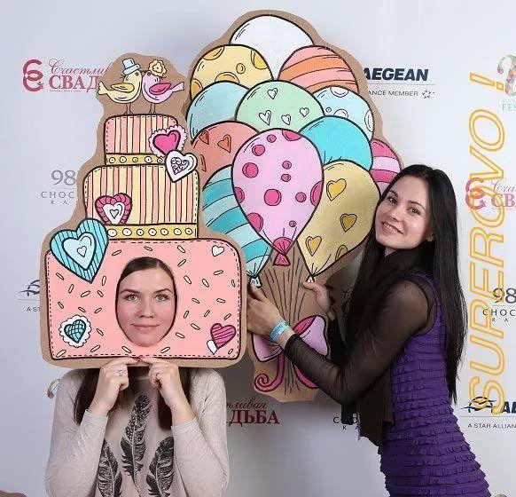 фотозоны из картона: 18 тыс изображений найдено в Яндекс.Картинках