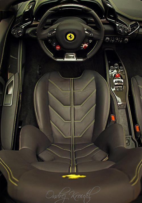 Te gusta estar acá sentado !? #Ferrari #Seat #Silla