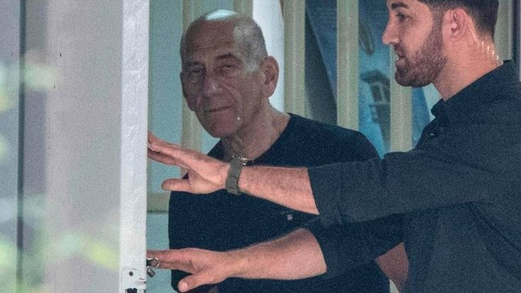 Ehud Olmert, Israel's jailed ex-PM, is released early https://tmbw.news/ehud-olmert-israels-jailed-ex-pm-is-released-early  Former Israeli Prime Minister Ehud Olmert has been released from prison on parole after serving two-thirds of a 27-month sentence for fraud.He was jailed in 2016 after being convicted of bribery and obstruction of justice while a trade minister.Olmert was the first former Israeli head of government to be jailed.He became prime minister in 2006 but resigned three years…