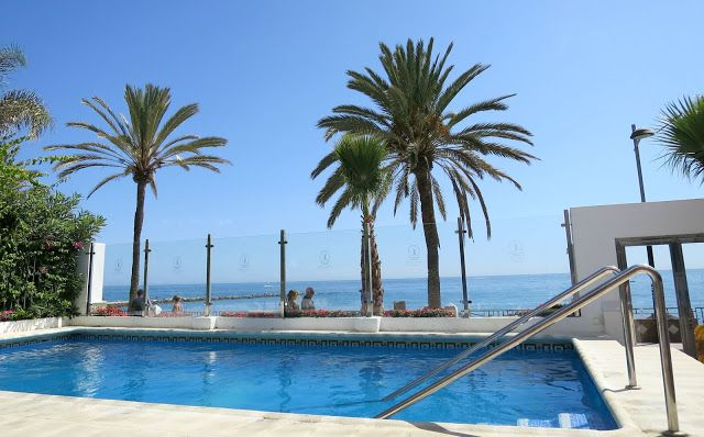 Marbella Summer Holiday Hotel Pool Puerto Azul Aparthotel Sea View